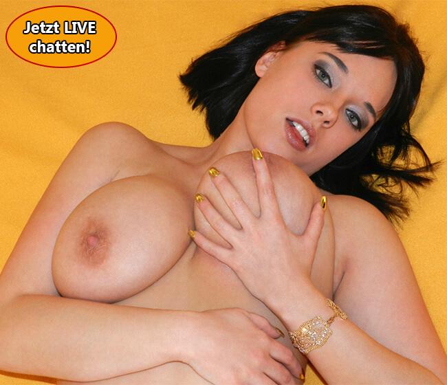 Sexy Chatgirl mit dicken Titten gratis erleben.